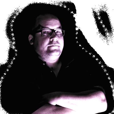 Kunos Péter a Rózsaszín Pittbull zenekar basszusgitárosa
