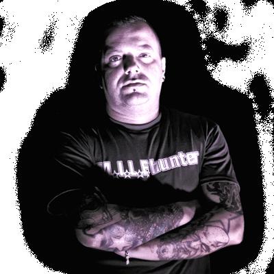 Méhn Zoltán a Rózsaszín Pittbull zenekar gitárosa